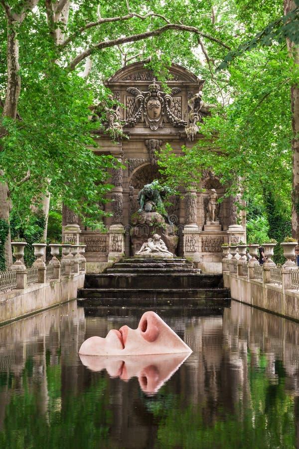 Der Medici-Brunnen in Luxemburg-Gärten, Paris, Frankreich stockfotografie