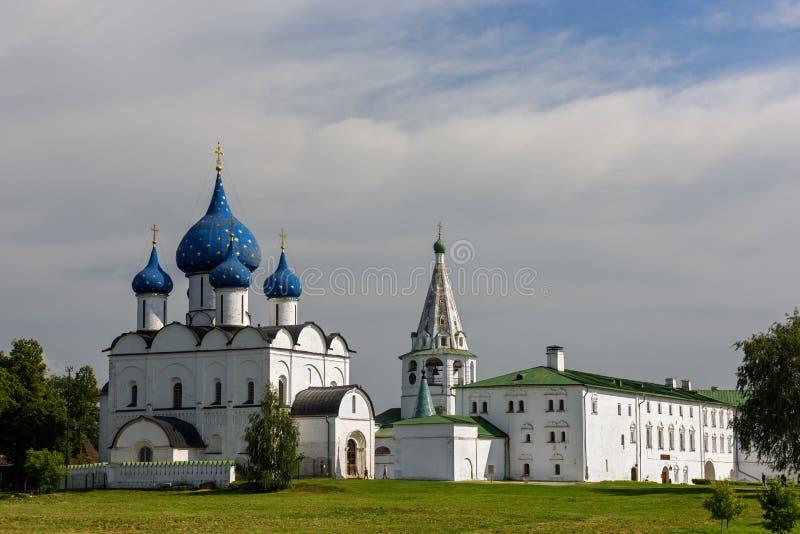 Der mittelalterliche Kreml und orthodoxe Kathedrale der Geburt Christi Suzdal, Russland stockfotos