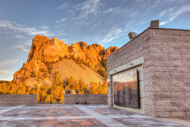 Der Mount Rushmore Sonnenaufgang stockbild