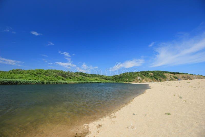 Der Mund des Veleka-Flusses bei Sinemorets, Bulgarien stockbild