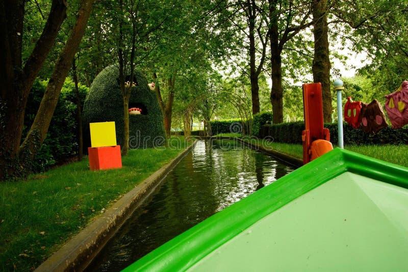 In der Nachtgarten-Bootsfahrt lizenzfreies stockbild