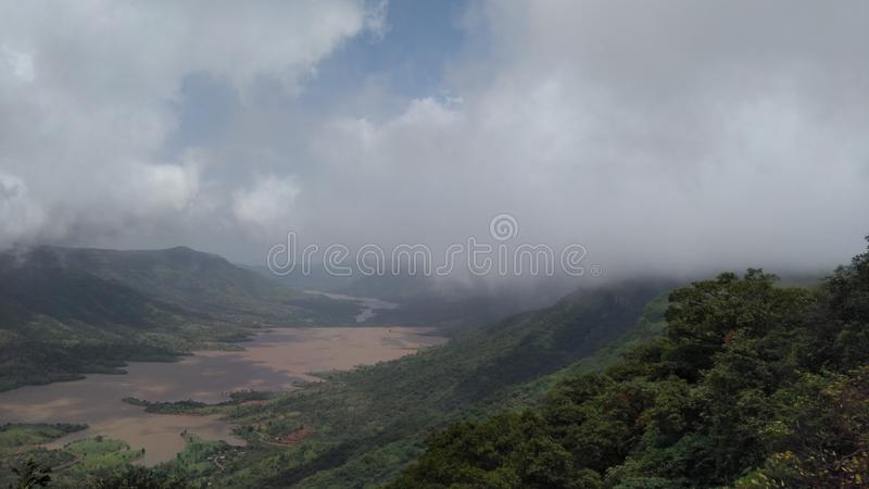 Der Nebel-Himmel lizenzfreies stockfoto