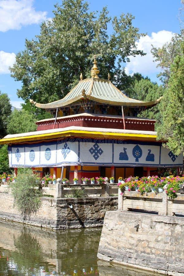 Der Norbulingka-Park in Lhasa stockfotos