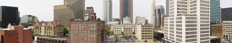 Der Ohio-Statehouse panoramisch im im Stadtzentrum gelegenen Stadtkern von Columbus stockfotos