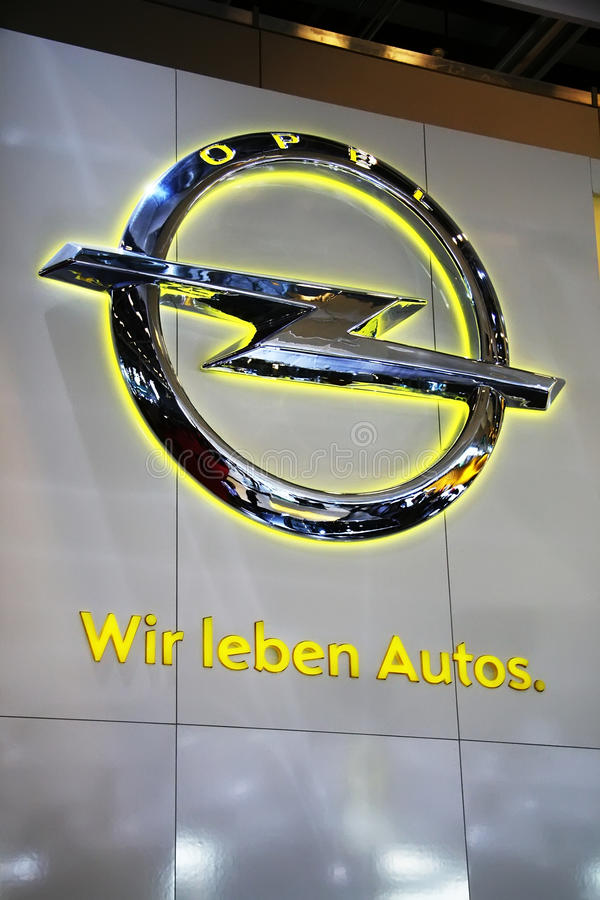 Der Opel Slogan - wir lieben Autos stockbilder