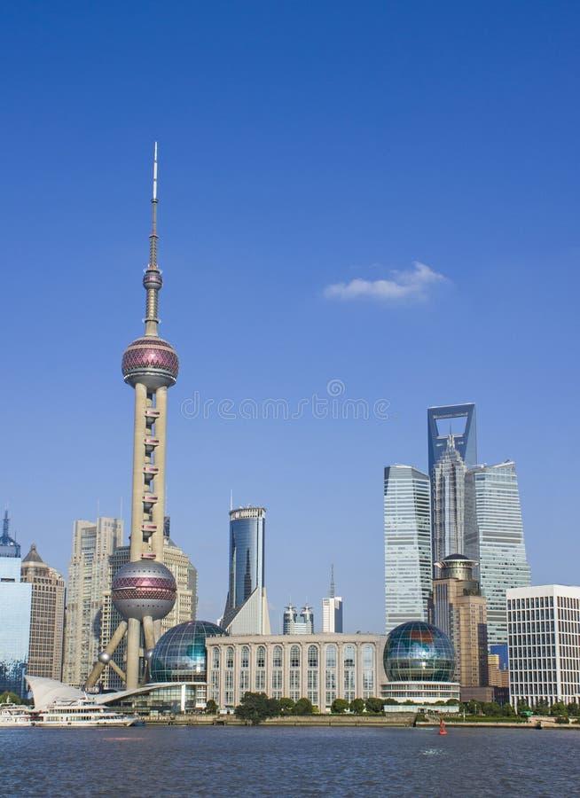 der orientalische Perle Fernsehkontrollturm von Shanghai lizenzfreies stockbild