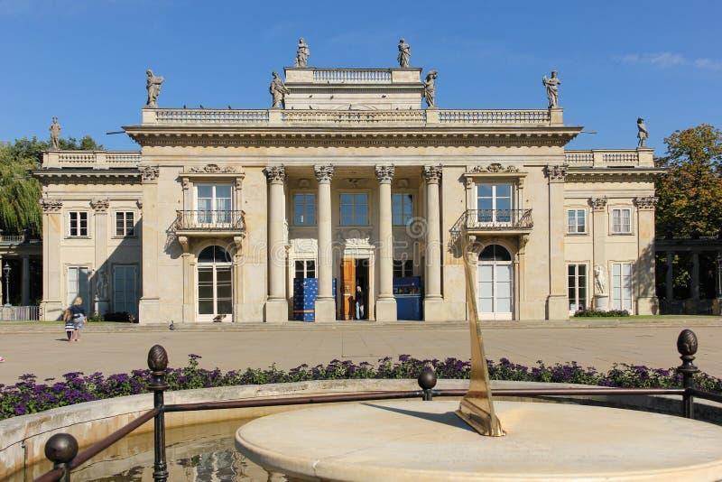 Fassade des Palastes auf dem Wasser oder dem Åazienki Palast. Warschau. Polen lizenzfreie stockfotografie