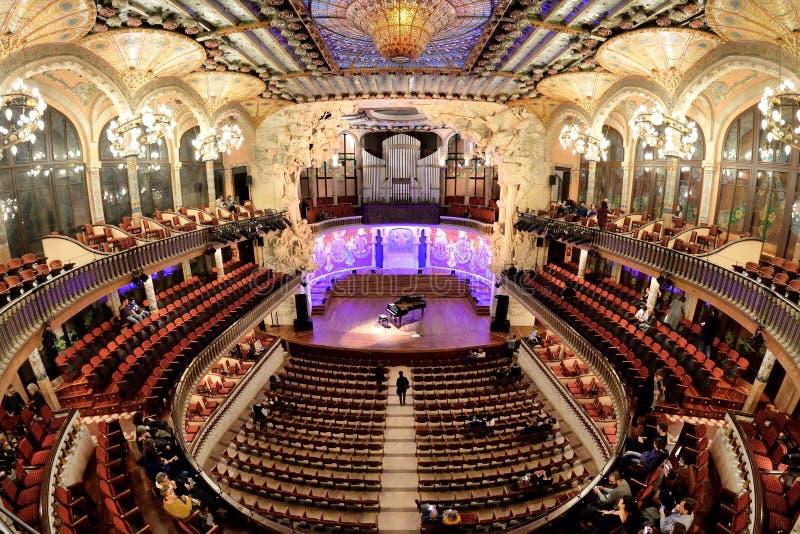 Der Palast Palaus de la Musica Catalana der katalanischen Musik, die ein Konzertsaal in der katalanischen modernista Art entwarf lizenzfreie stockfotos