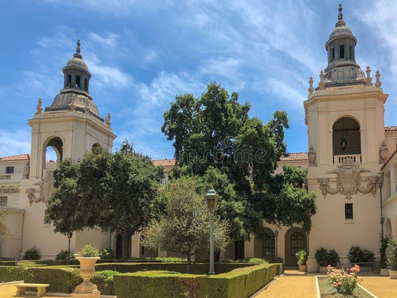 Der Pasadena-Rathaus-Garten stockbilder