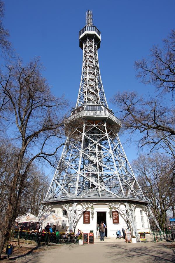 Der Petrin Ausblickkontrollturm stockfoto