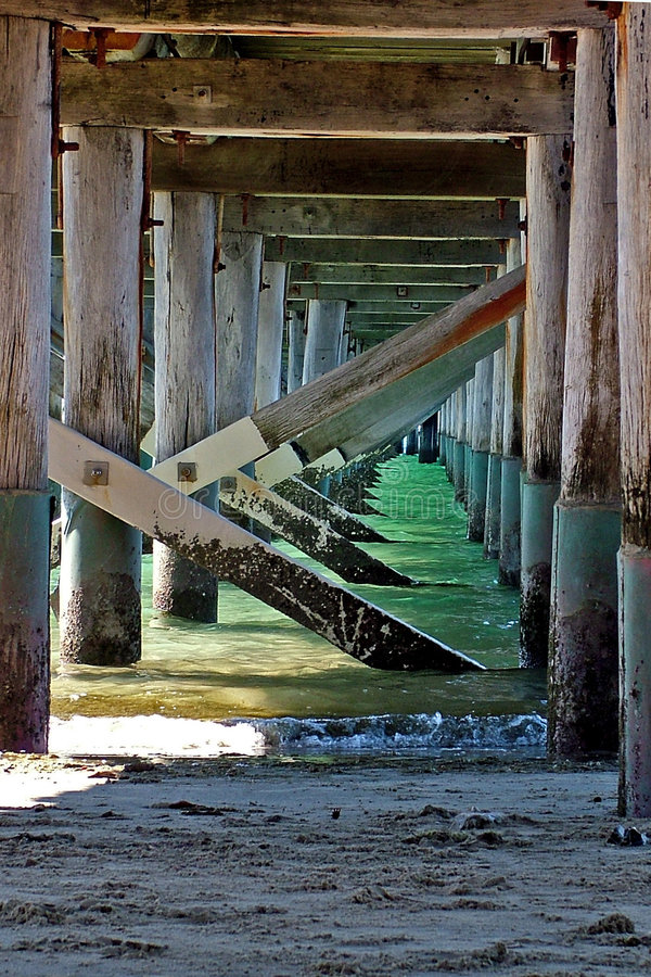 Download Der Pier stockbild. Bild von schacht, promenade, fischen - 35903