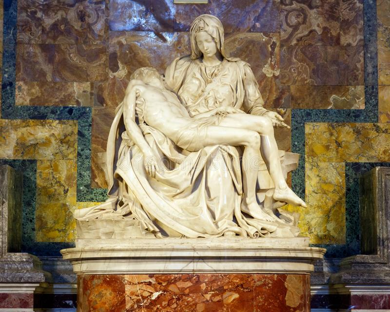 Der Pieta durch Michelangelo in St Peter Basilika stockbild