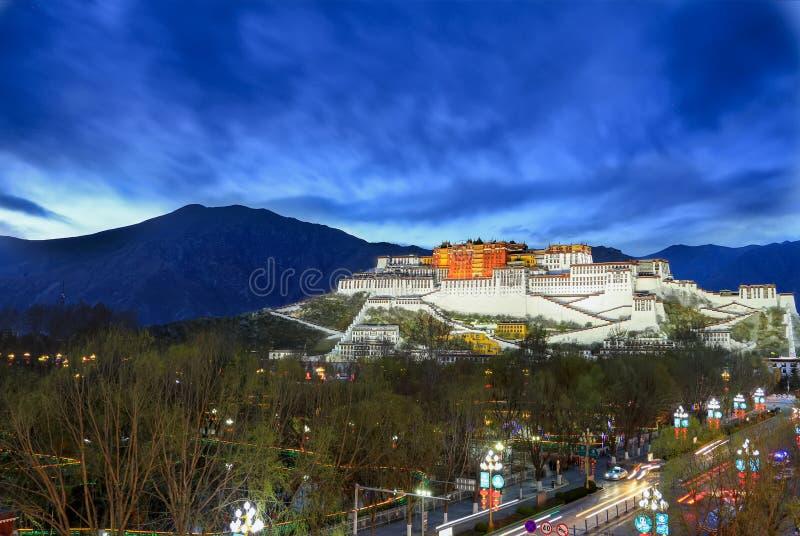 Der Potala Palast in Lhasa lizenzfreie stockfotos