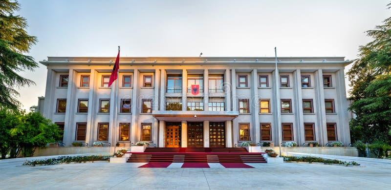 Der Präsidentenpalast von Tirana lizenzfreies stockfoto