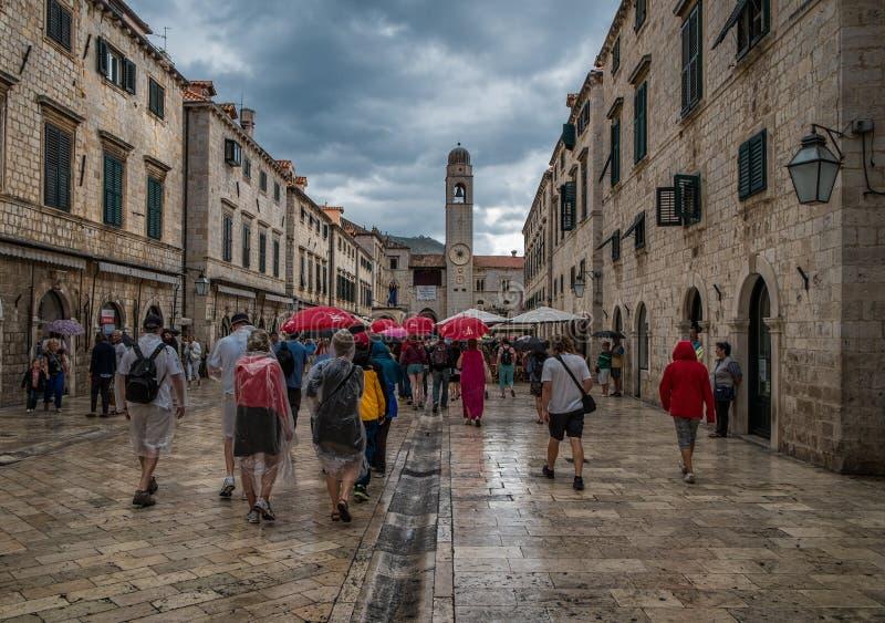 Der Regen in Dubrovnik kroatien stockfotos
