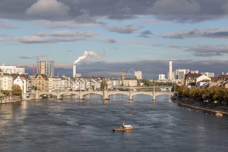 Der Rhein-Ansicht in Basel, die Schweiz lizenzfreies stockfoto