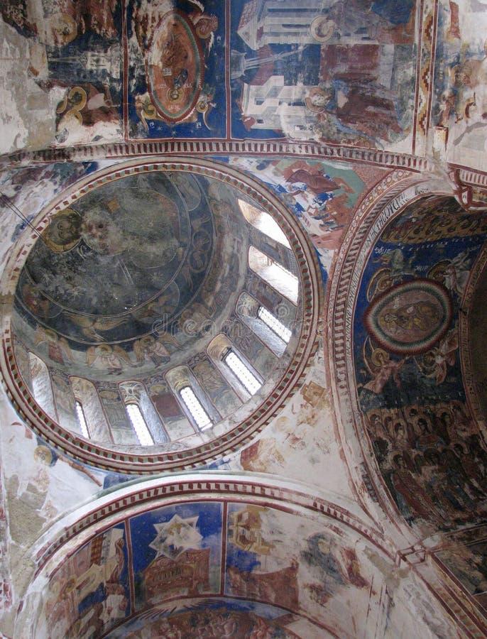 Der schöne Innenraum des historischen Gelati-Klosters in Georgia stockbild
