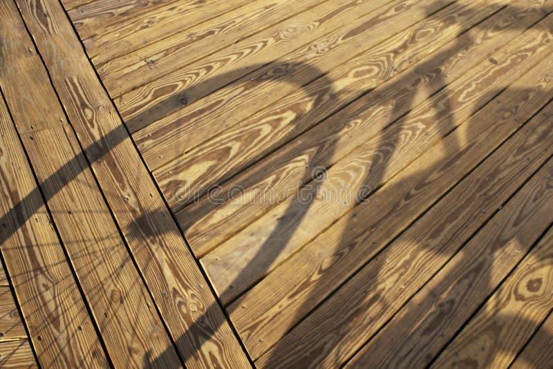 Der Schatten des Radfahrers lizenzfreies stockfoto