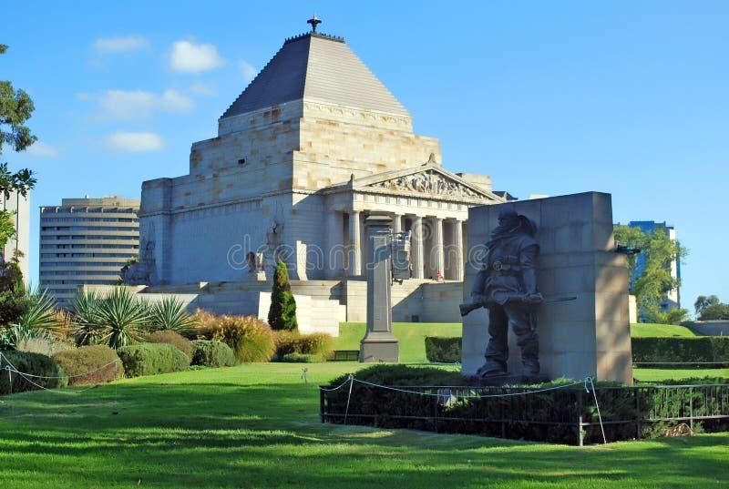 Der Schrein der Seitenansicht der Erinnerung in Melbourne - Australien stockbilder