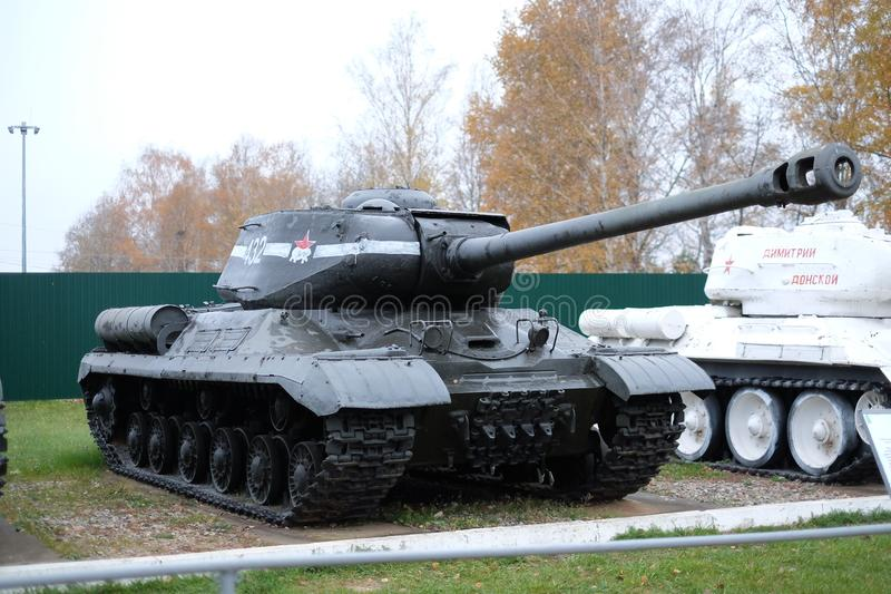 Der schwere Panzer des Sowjets IS-2 stockbilder