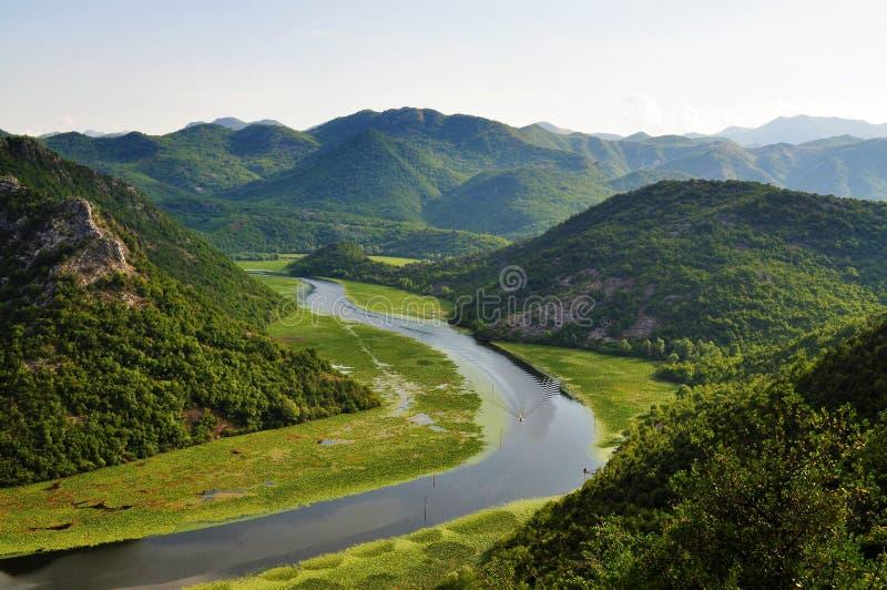 Der See und die Berge - Nationalpark des Skadar Sees - Montenegro lizenzfreies stockbild