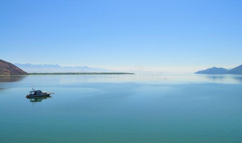 Der See und der Horizont - See Skadar stockbild