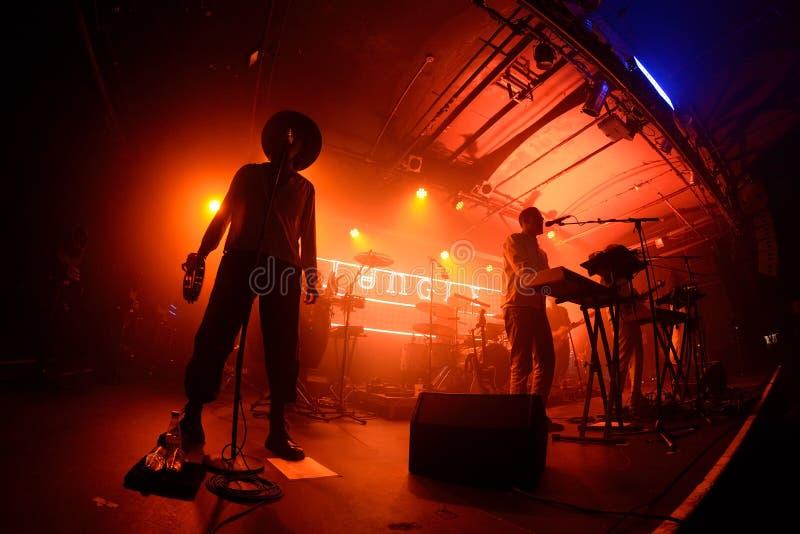 Der Seelen-riesigen Angst des Dschungels führen indie Band im Konzert am Razzmatazz-Verein durch stockfoto