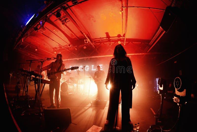 Der Seelen-riesigen Angst des Dschungels führen indie Band im Konzert am Razzmatazz-Verein durch lizenzfreie stockfotos