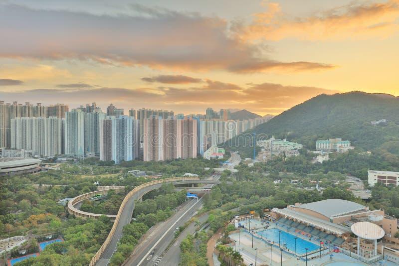 der Sonnenuntergang von PO Shun Road an TKO lizenzfreies stockbild