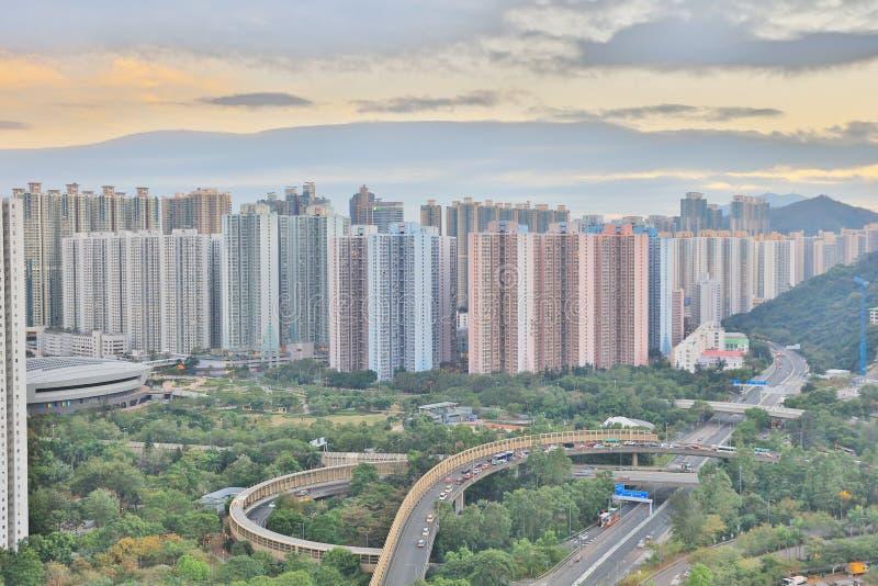 der Sonnenuntergang von PO Shun Road an TKO lizenzfreie stockfotos