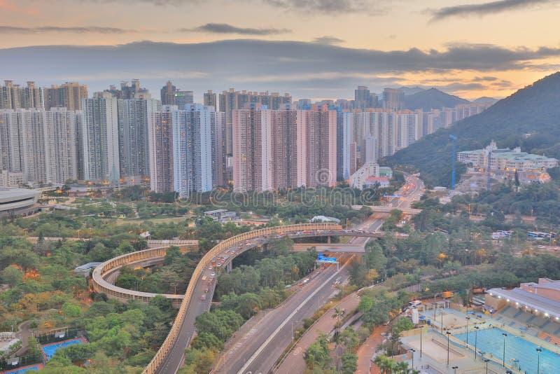 der Sonnenuntergang von PO Shun Road an TKO lizenzfreies stockfoto