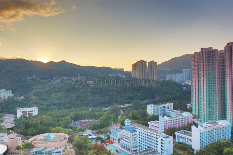der Sonnenuntergang von PO Shun Road an TKO stockfotos