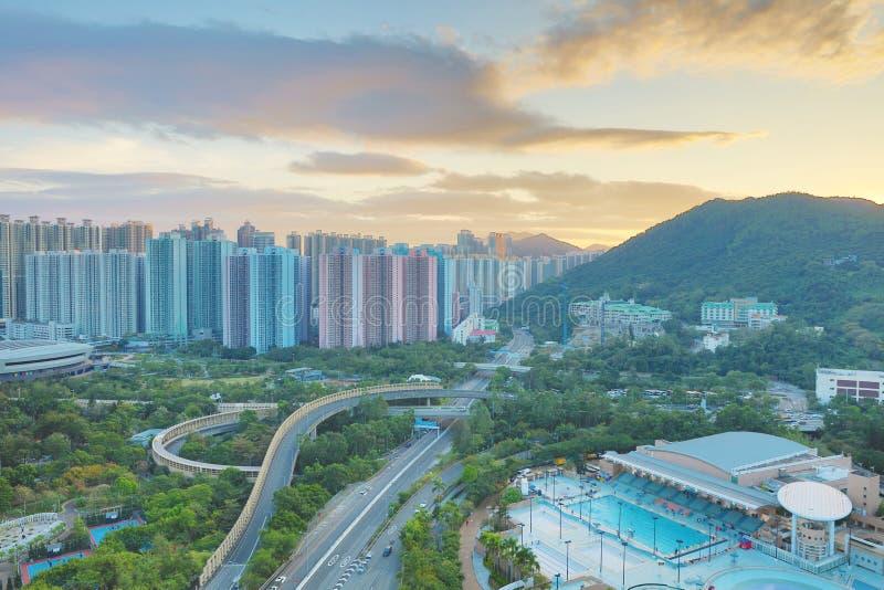 der Sonnenuntergang von PO Shun Road an TKO lizenzfreie stockfotografie