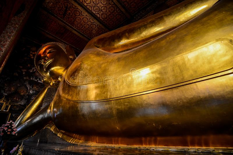 Der stützende Buddha bei Wat Pho, Pho-Tempel in Bangkok, Thailand, Asien stockfotos