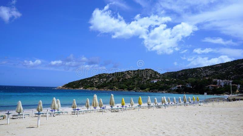 Der Strand berühmten Costa Smeraldas, Sardinien lizenzfreie stockbilder