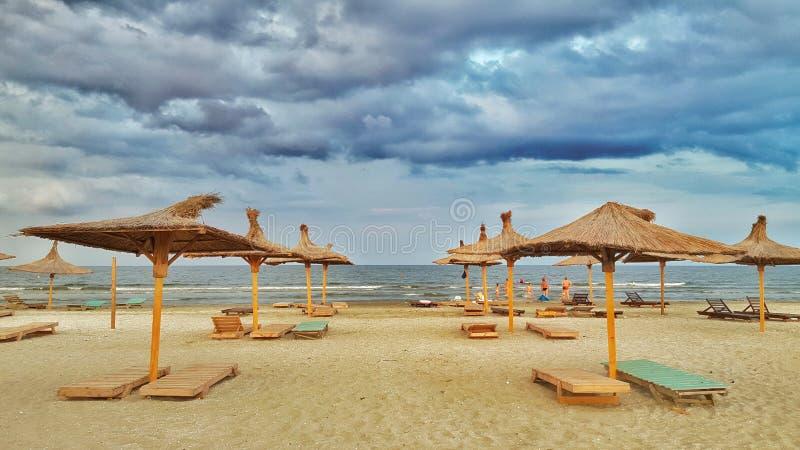 Der Strand schön lizenzfreies stockbild