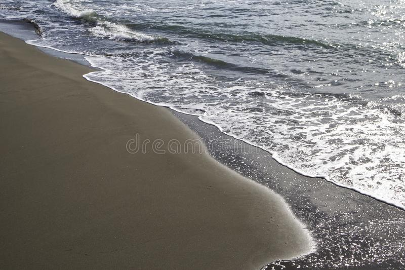 Der Strand und das Meer im Herbst: Forte dei marmi, Versilia, Italien lizenzfreie stockfotografie