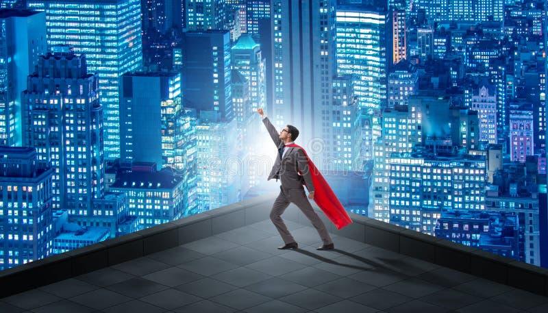 Der Superheldgeschäftsmann auf Gebäude stock abbildung