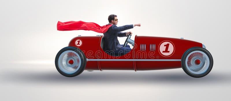 Der Superheldgeschäftsmann, der Weinleseoffenen tourenwagen fährt stockbild