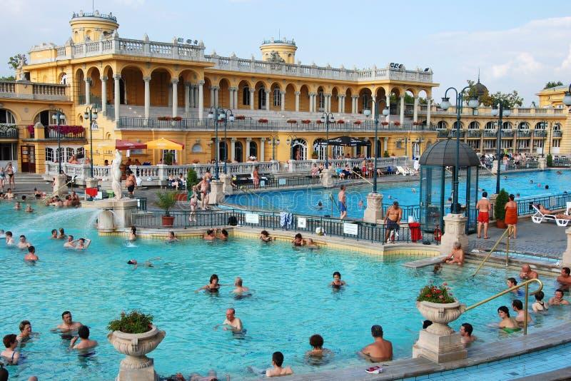 Der Szechenyi Badekurort in Budapest lizenzfreie stockfotos