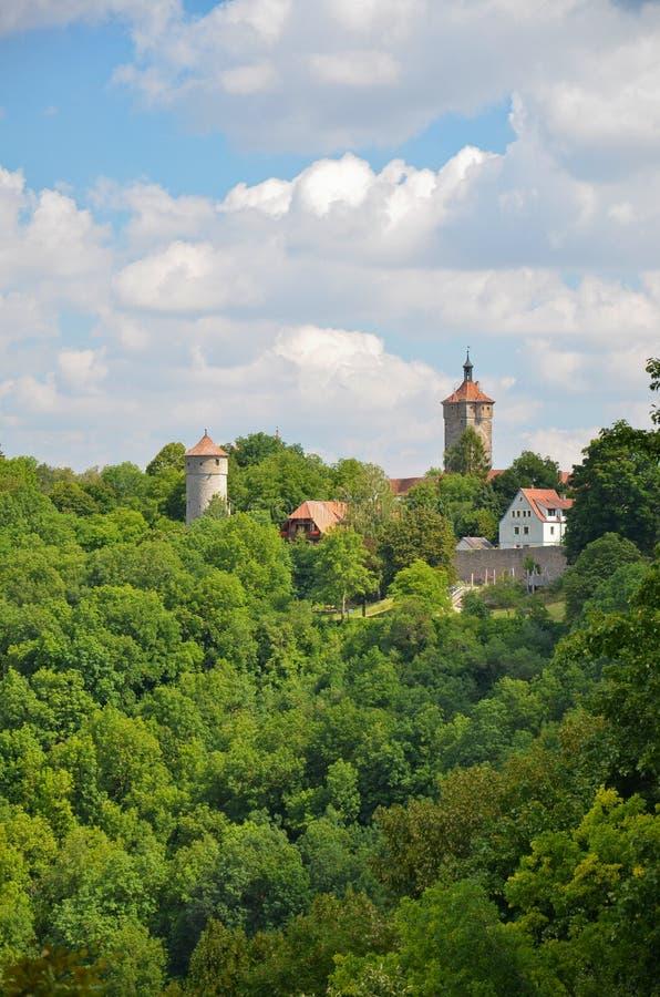 Der Tauber do ob de Rothenburg, torres 1 da vista imagens de stock