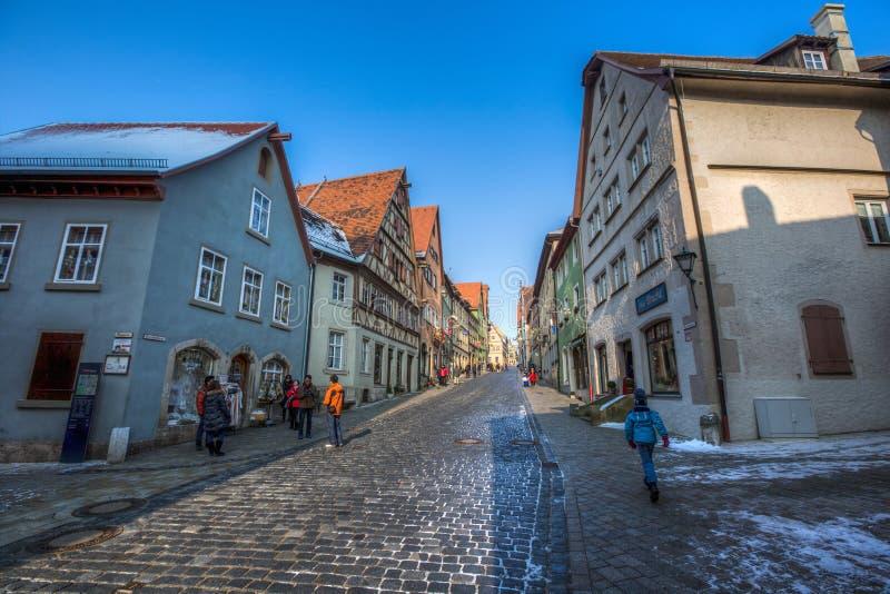 Der Tauber ob Ротенбурга, Германия - туристы II стоковая фотография