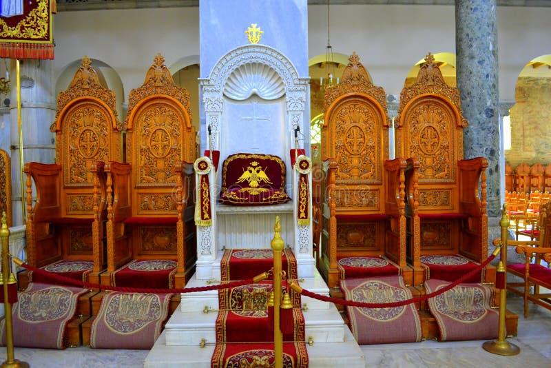 Der Thron Kirchenmöbel Bischofs lizenzfreie stockfotografie