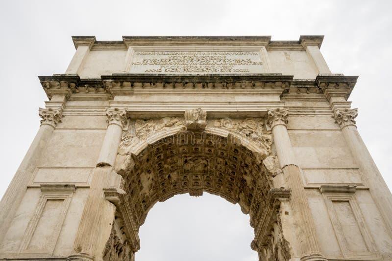 Der Titusbogen in Rom lizenzfreie stockfotografie