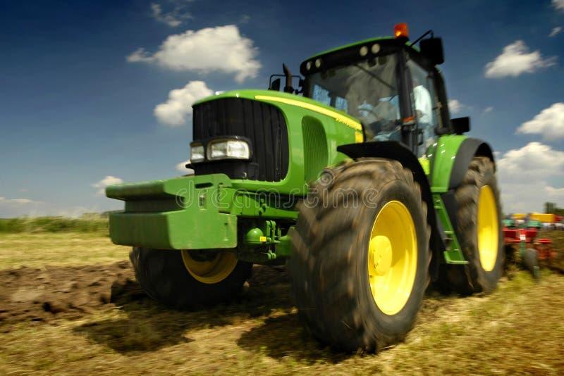 Der Traktor lizenzfreie stockfotos