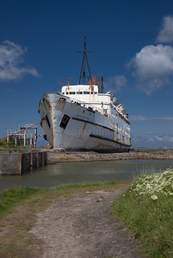 Der TSSHerzog von LancasterÂ-Schiff angekoppelt bei Mostyn, Nord-Wales, Vereinigtes Königreich - 30. Mai 2010 lizenzfreie stockfotografie