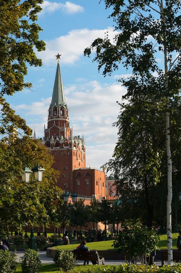 Der Turm der Dreiheits-(Troitskaya), der Kreml stockbilder