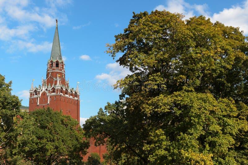 Der Turm der Dreiheits-(Troitskaya), der Kreml stockfoto