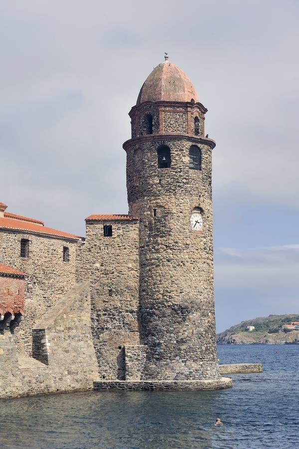 Der Turm des königlichen Schlosses von Collioure lizenzfreie stockfotografie