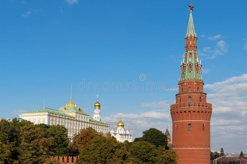 Der Turm und der große Kreml Palac der Wasser-Pumpen-(Vodovzvodnaya) stockbild